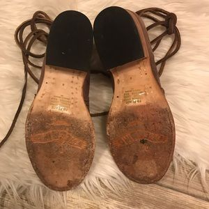 Freebird by Steven Shoes - EUC Freebird by Steven Peace Sandals